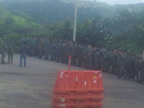 Miembros de la Policía Nacional, SENAFRONT y Unidad de Control de Multitudes