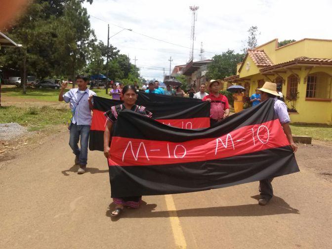 Movimiento 10 de Abril se manifiesta en contra de Barro Blanco