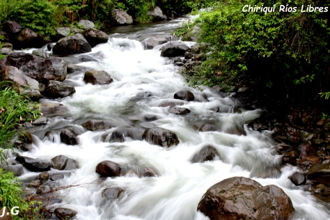 Río Chuspa en su parte alta antes de ser intervenido por las hidroeléctricas